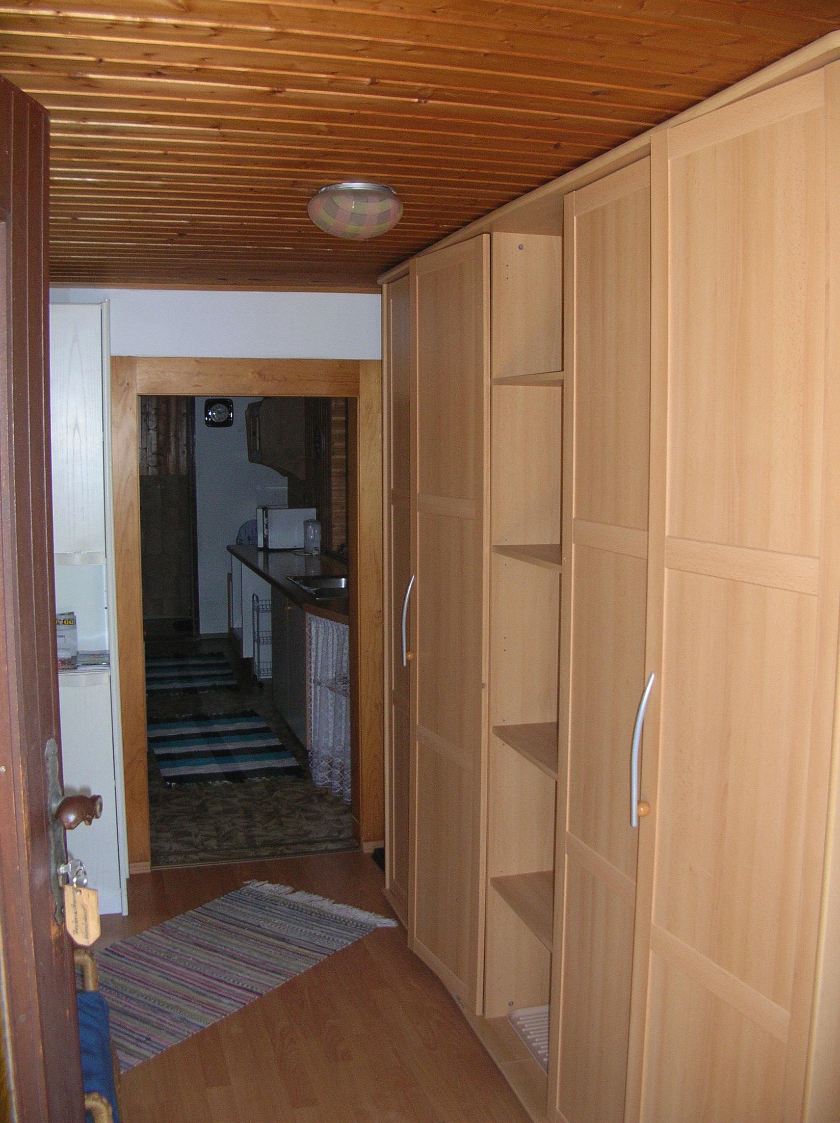 Vorraum mit Kleiderschrank