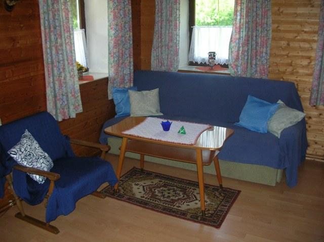 Sitzecke nutzbar als Einzelbett im Wohnschlafraum